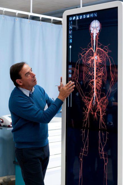 Table de dissection virtuelle Anatomage